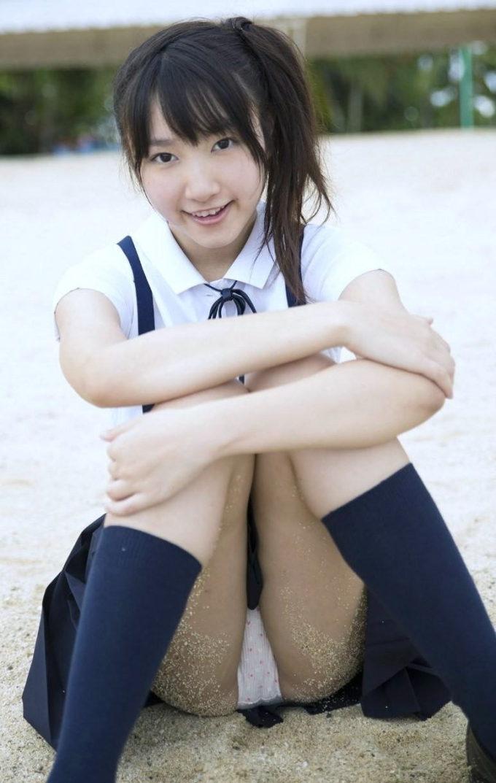 女子高生パンチラ画像9