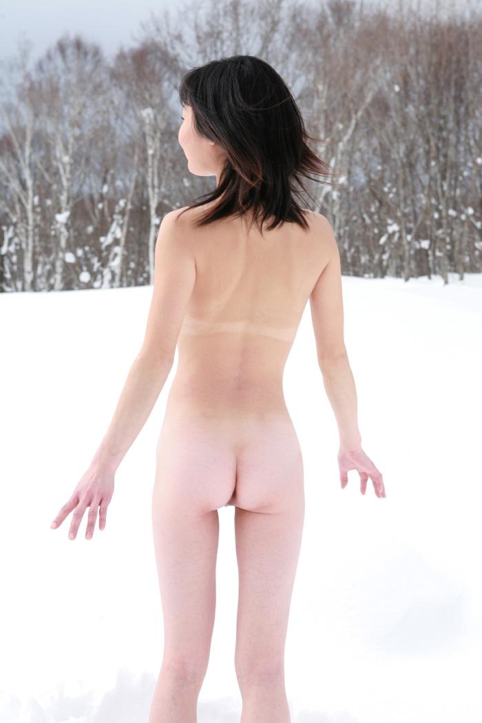 雪中露出画像12